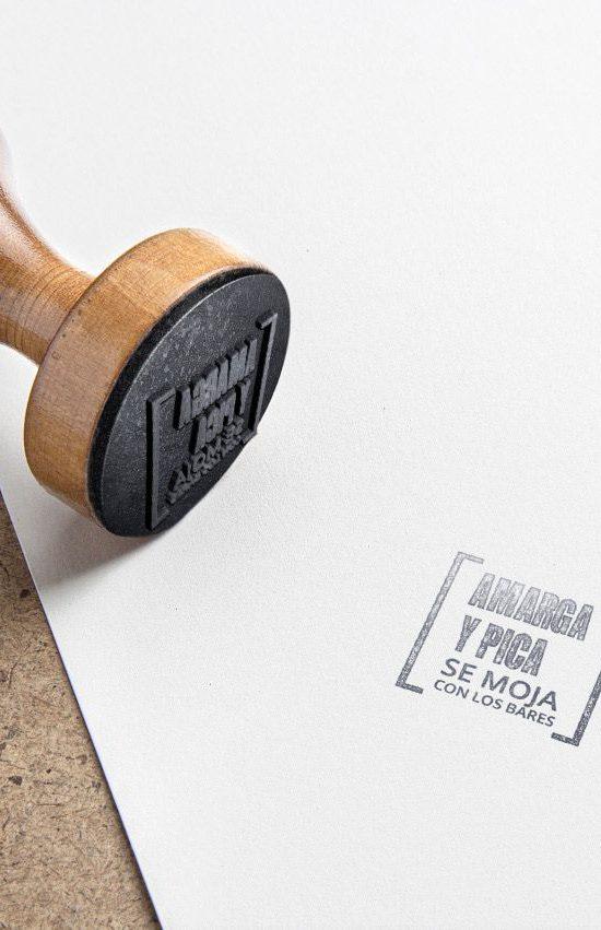 logotipo-amarga-y-pica