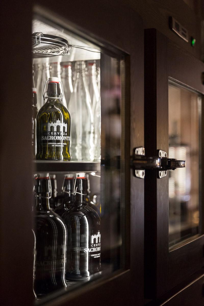 Fotografía corporativa cerveza sacromonte